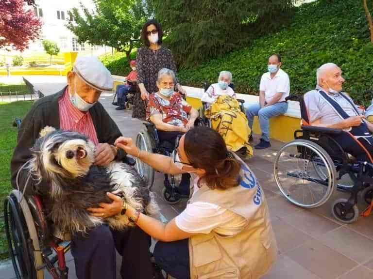 Mayores de la Residencia Provincial de Cuenca celebran a su patrón, el Sagrado Corazón