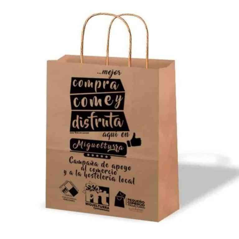 3.000 bolsas de cartón reciclable ha repartido el ayuntamiento de Miguelturra en apoyo al comercio local